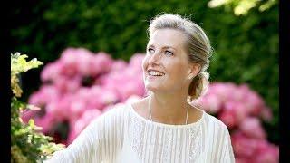 Любимая невестка королевы Елизаветы графиня Софи Уэссекская!