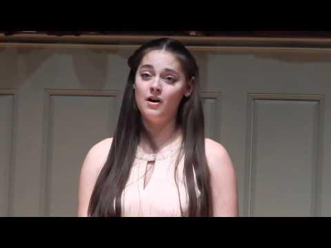 Hannah Klein singing Still wie die Nacht by Carl Bohm