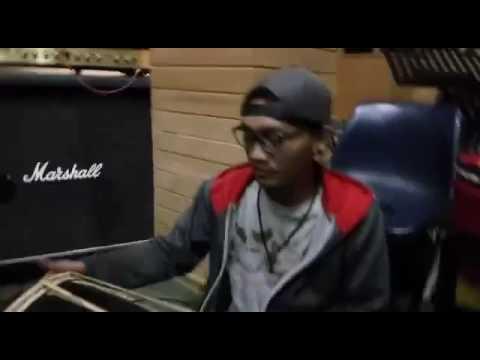 Tony Q Rastafara - Indonesia Jalanan (studio Version)
