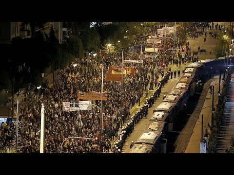 آلاف اليونانيين يتظاهرون في ذكرى انتفاضة الطلاب على الحكم العسكري…  - 21:59-2019 / 11 / 17