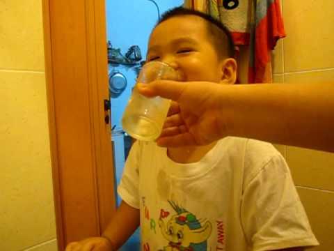 Gold thích đánh răng và rửa tay xà phòng