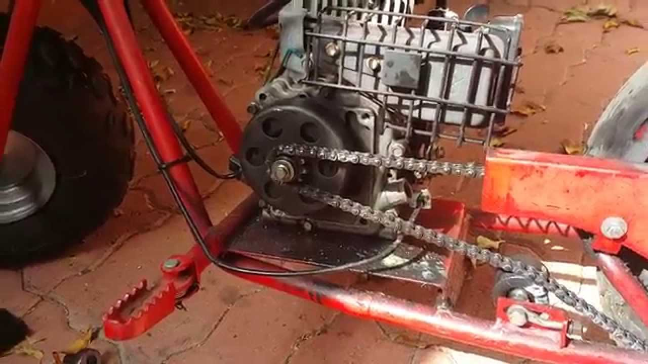 Doodle bug DB30 after oiling the clutch and tightening the chain