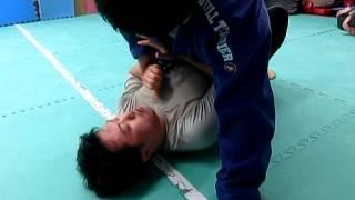 柔術のスパーリング jiujutsu sparring.