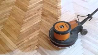 Натирка паркета мастикой(Купить напольные покрытия можно в магазине http://a-parket.com/, 2014-06-08T11:10:15.000Z)