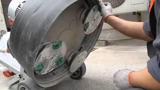 Шлифовка и полировка бетонных и каменных полов машинами GROST(Демонстрация обработки бетонного пола вплоть до финишной полировки. Ссылка на продукт: http://grost.ru/shop/stroitel_noe_o..., 2015-03-20T12:58:18.000Z)