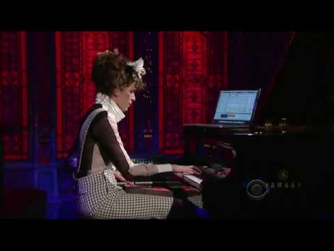 Imogen Heap on Letterman Last Train Home