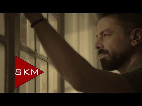 Özgür Akkuş - Yıllar Yollar (Official Video)