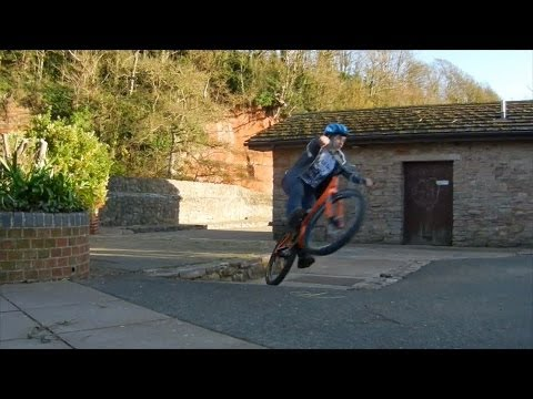 Phoenix Trials Forum video comp - Paul Turner and Douglas Evans - Bike trials