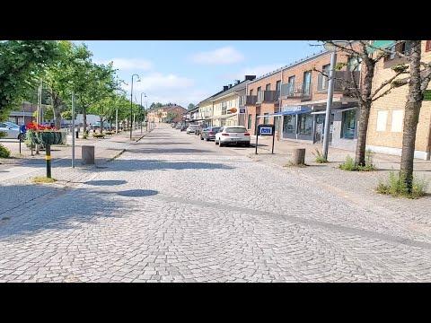 Download Livet i ett mindre svenskt samhälle