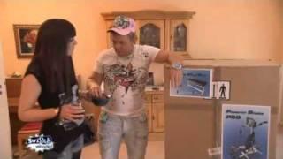 Mitten im Leben: Dennis kauft sich eine Hantelbank