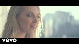 Смотреть клип Samantha Jade - Circles On The Water