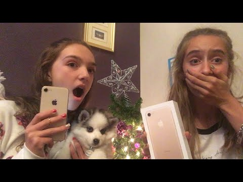 WHAT I GOT FOR CHRISTMAS! I GOT AN IPHONE?!? AND A PUPPY??!