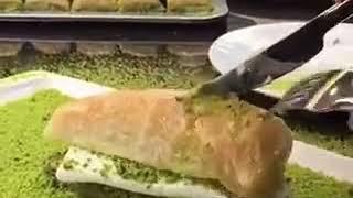 Yok böyle bir baklava yeme sekli