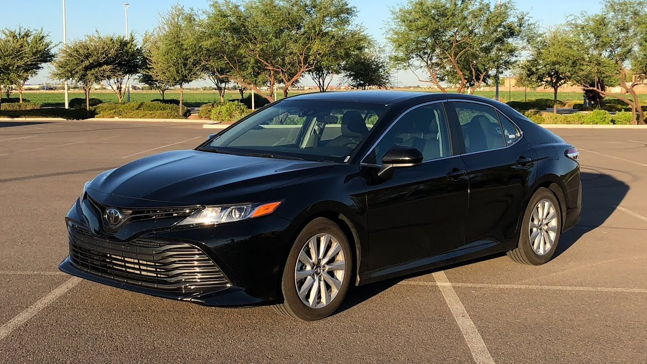 Review 2018 Toyota Camry Le Midnight Black Metallic