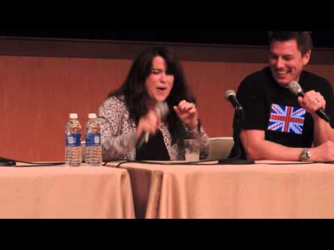John Barrowman & Eve Myles Boston CC 2014 part 15