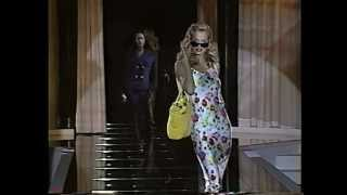 Gianni Versace Spring 1995 Fashion Show (full) thumbnail
