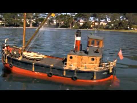 RC Boat Model ,Scottish Clyde Puffer,Vital Spark (Boating @ Spreckles Lake, San Francisco Ca.USA ...