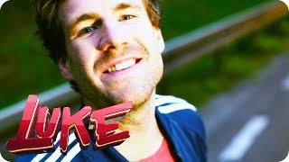 Musikvideo - Luke, die 2000er und ich (Opening) - LUKE! Die Woche und ich