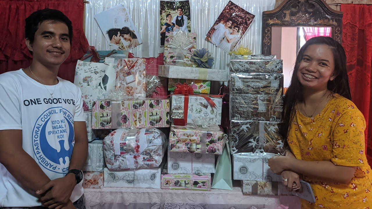 JB ❤ Che² Wedding Gift Opening
