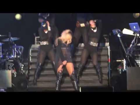 Rihanna - Pour It Up & Numb Live In Diamonds World Tour Istanbul 30.05.2013