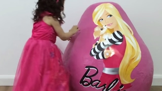 Barbie Giant Surprise Egg: Doll, Toys & More - Princesses In Real Life | WildBrain Kiddyzuzaa