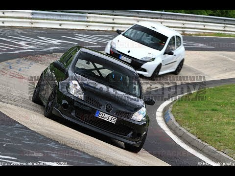 clio 3 rs vs clio 3 rs cup black white nordschleife youtube. Black Bedroom Furniture Sets. Home Design Ideas