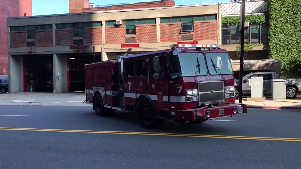 Boston Fire Truck Ladder 17 Responding: Air Horns, Sirens