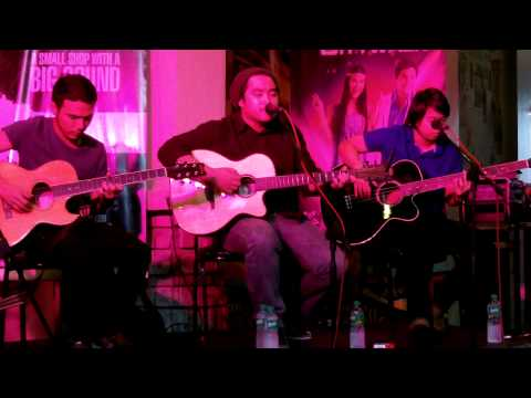 December Avenue - Eroplanong Papel (Live at Eastwood)