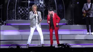 Sir Rod Stewart with Cyndi Lauper -...