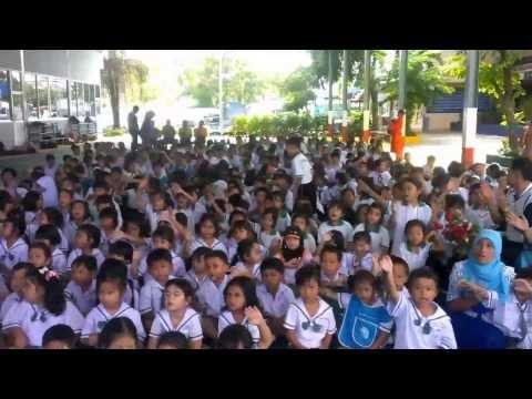 กิจกรรมวันแม่ ปี 56 เด็กๆร้องเพลง เรียงความเรื่องแม่