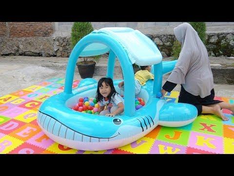 Unboxing Kolam Renang Lucu Karakter Ikan - Ball Pit Show In Swimming Pool For Kids