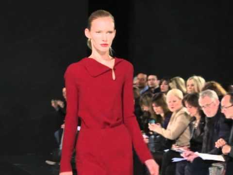 ROLAND MOURET Fashion Show - Ready-To-Wear Women's Autumn/Winter 2011/12.