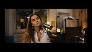 Смотреть клип Jasmine Thompson - More