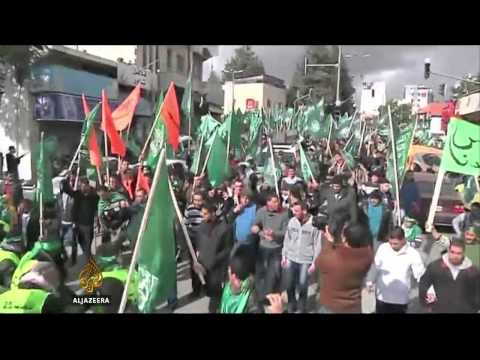 US warns Hamas-Fatah deal could hamper talks