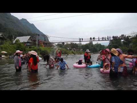 Boun Pi mai Lao 2013 at Nam Song River Vang Vieng, Laos (Teb chaws Nplog)
