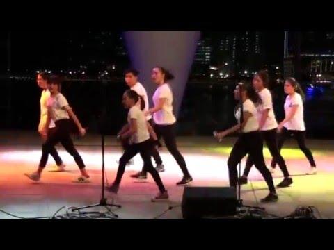 Voices Show Choir - Me Against the Music