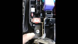 replacing 120 amp altenator fuse 2004 toyota camry - youtube  youtube