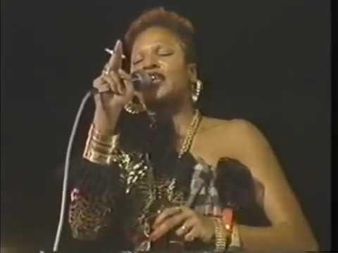 Sister Nancy - Bam Bam - Sting 1990