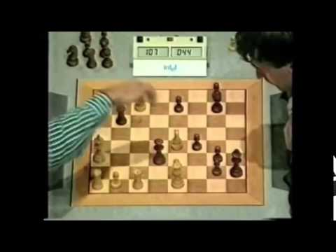 Ivanchuk vs Anand.. One of the most exciting games and greatest blunders of Chess history