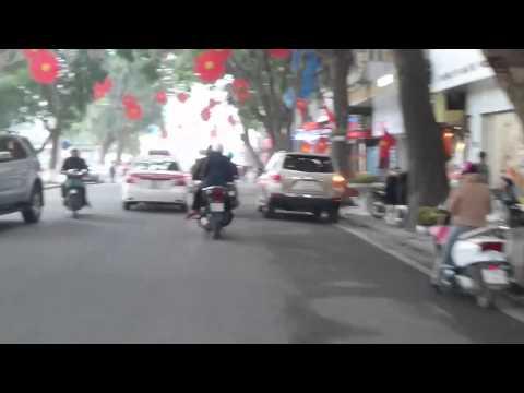 A cyclo trip around Hoan Kiem Lake, Hanoi, Vietnam