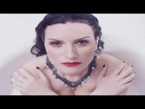 Laura Pausini se desnuda para nuevo videoclip