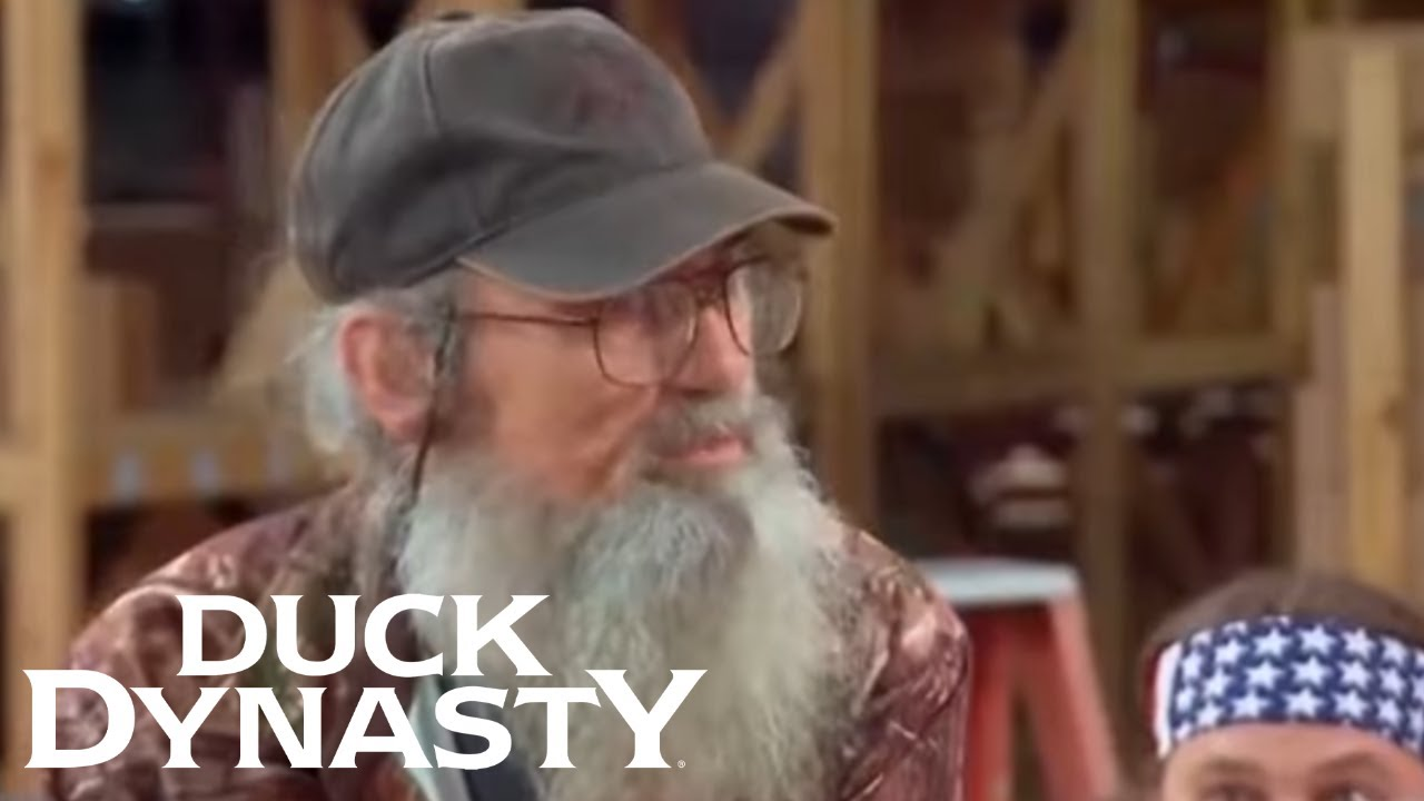 Duck Dynasty: Si Almost Ruins a Surprise (Season 4 Flashback)   Duck Dynasty