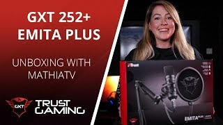Unboxing The GXT 252+ Emita Plus Streaming Microphone
