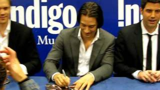 IL DIVO signs THE PROMISE cd in Toronto news