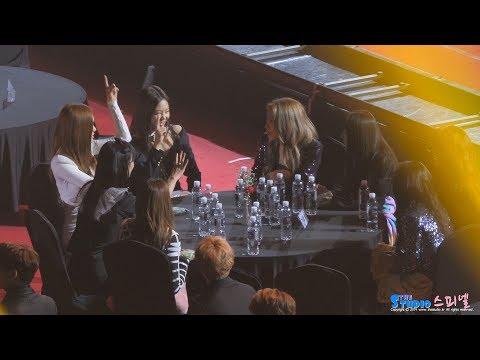 180125 블랙핑크 레드벨벳 친목 (ft 친목왕 예리) 직캠 BLACKPINK Red Velvet fancam (서울가요대상) by Spinel
