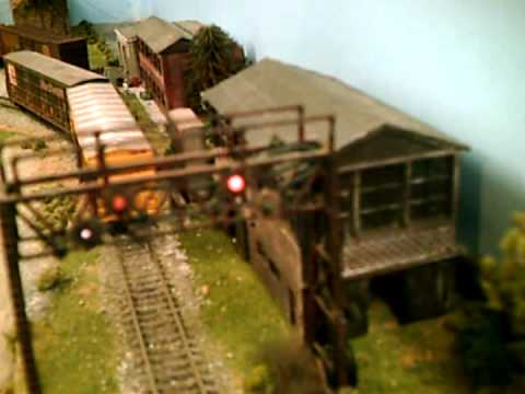 HO Scale Model Railroad Cheap Homemade Features & Systems