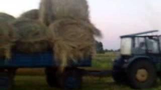 żniwa 2010 sianokosy zworzenie balotów. wyprzedzanie wpadki rolnicze