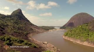 Cerros Mavecure Rio Orinoco Colombia desde el aire drone