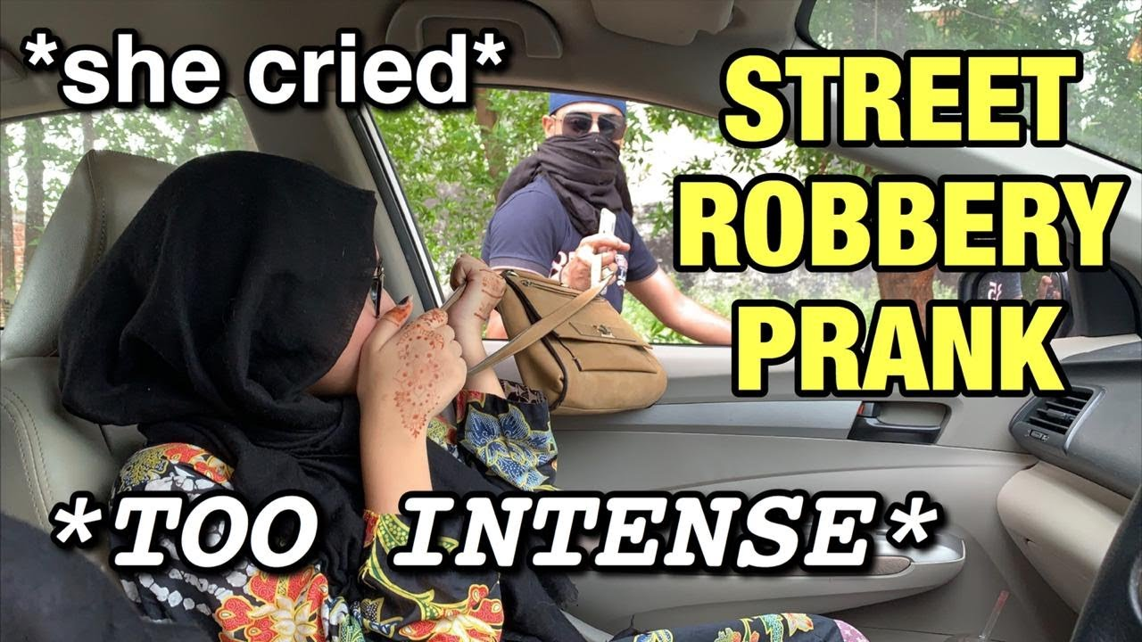 INSANE STREET SNATCHING ROBBERY PRANK ON SISTER *SHE CRIED*