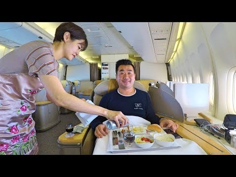 ALONE in First Class on Asiana Airlines B747